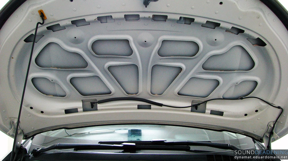 Bonnet without the soundproofing